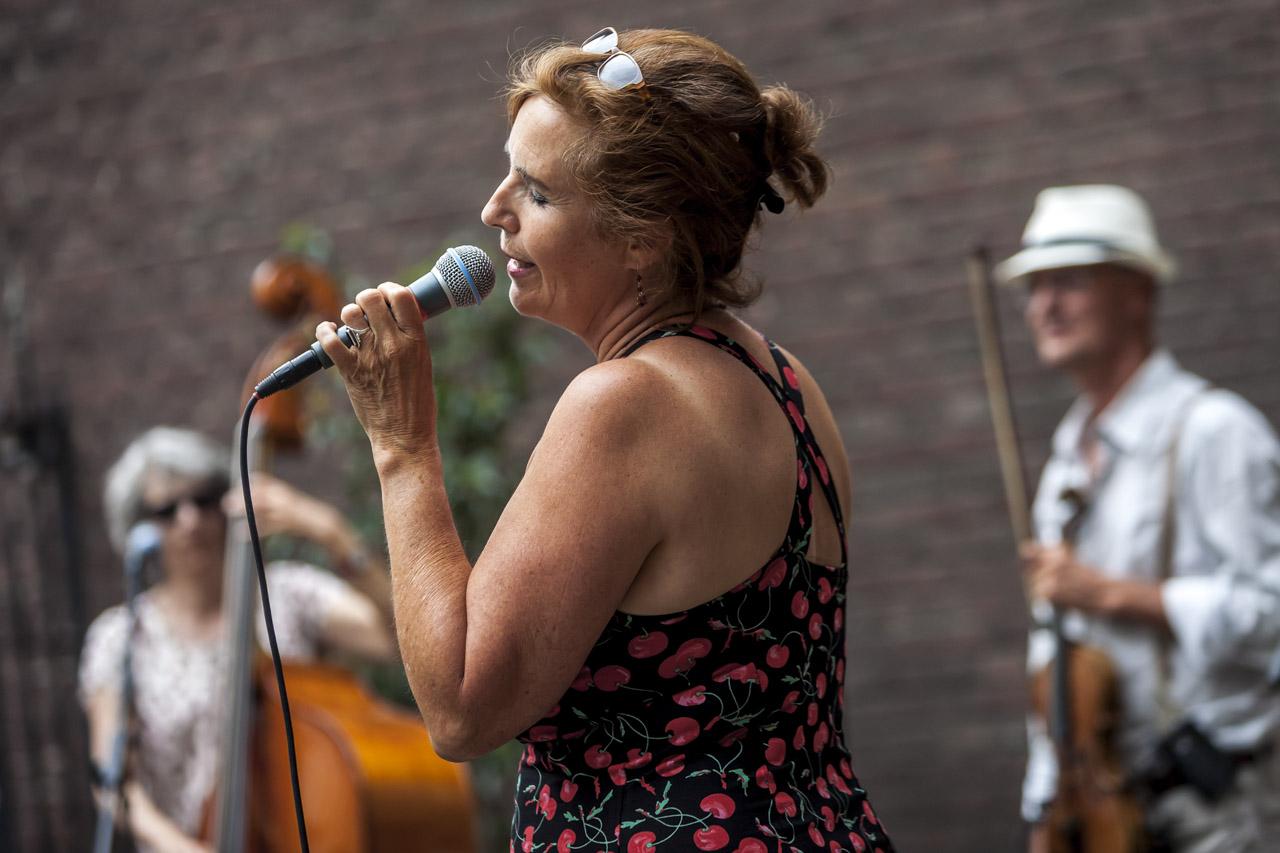 Netherlands, Maastricht, 11.06.2017 Concert Ravelin band. Anita Verdonk (zang), Andere Kok (viool), Peter Verheijen (gitaar), Josien Mennen (bas). photo Chris Keulen
